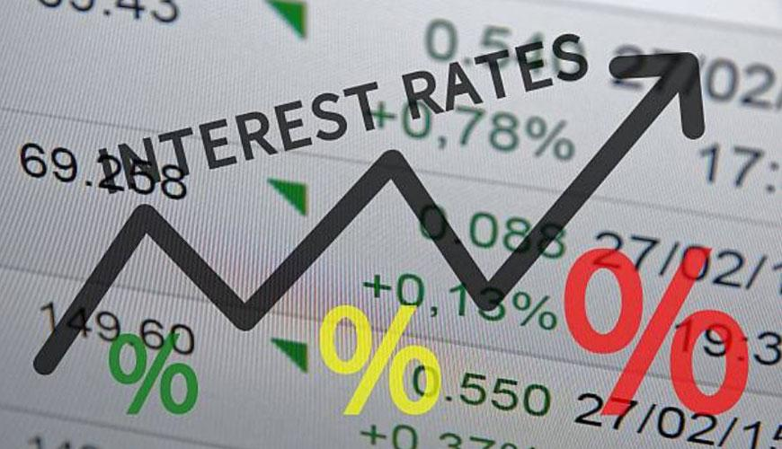 Bank of Canada holds rates steady at 1%