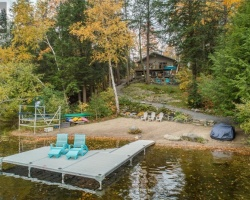 Cottage for Sale on Henshaw Lake