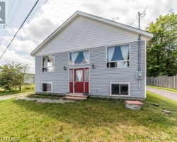 Cottage for Sale on Sturgeon Lake