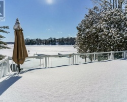 Cottage for Sale on Peninsula Lake