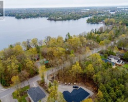 Property for Sale on 270 Riverside Dr, Kawartha Lakes