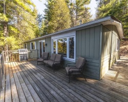 Cottage for Sale on South Lake