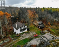 Cottage for Sale on Brady Lake