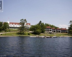 Cottage for Sale on Rosseau  Lake