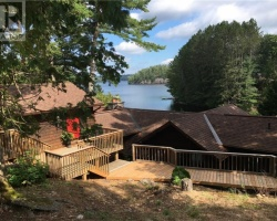 Cottage for Sale on Mary Lake
