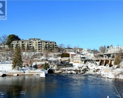 Property for Sale on 24 Ontario Street Unit# 403, Bracebridge