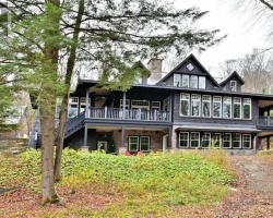 Cottage for Sale on Barry Lake
