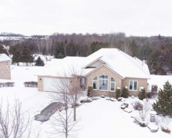 Property for Sale on 124 Peller Crt, Kawartha Lakes