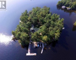 Property for Sale on 2 Island Skye Rd, Muskoka Lakes