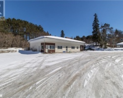 Property for Sale on 218 Ontario Street, Burk's Falls