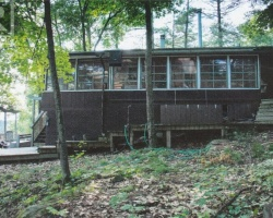 Cottage for Sale on Gibson River