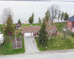 Property for Sale on 138 Starr Blvd, Kawartha Lakes