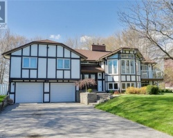 Cottage for Sale on Lake Simcoe