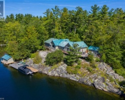 Cottage for Sale on Gloucester Pool, Trent Severn