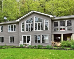 Cottage for Sale on Twelve Mile Lake