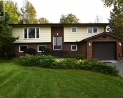 Cottage for Sale on Scugog Lake