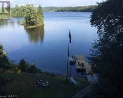 Cottage for Sale on Rebecca Lake