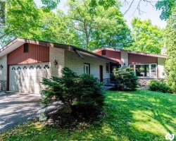 Property for Sale on 180 Clairmont Road, Gravenhurst