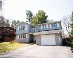 Property for Sale on 12 Waubeek Street, Parry Sound